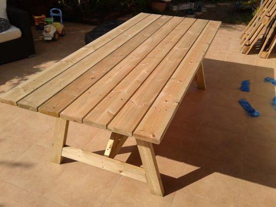 שולחן עץ גדול לגינה-1800 ש''ח